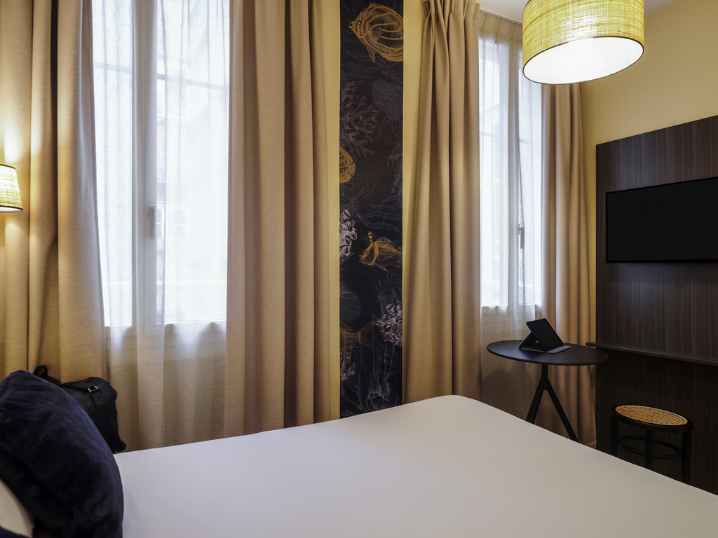 hotel pas chere nantes centre. Black Bedroom Furniture Sets. Home Design Ideas