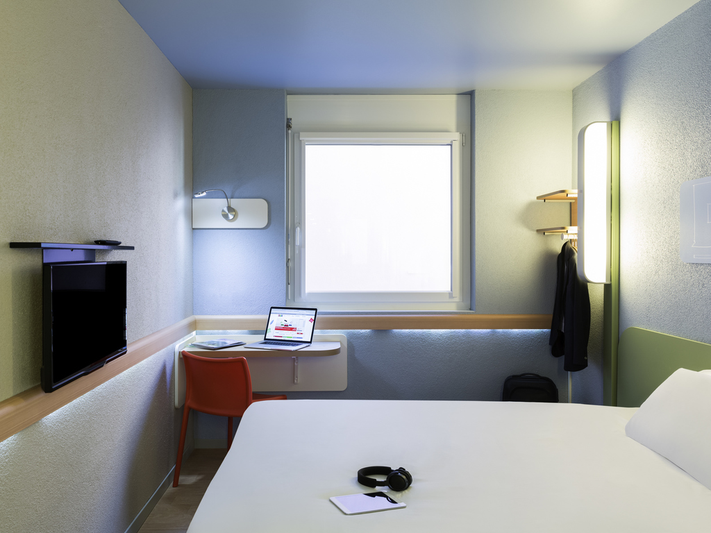 Hotels: Find Cheap Hotel Deals & Discounts - KAYAK