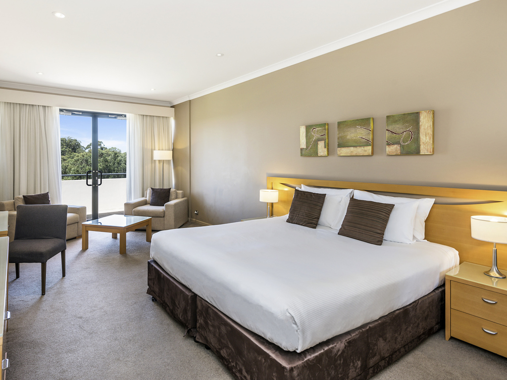 H tel wyong mercure kooindah waters central coast for Chambre avec lit king size