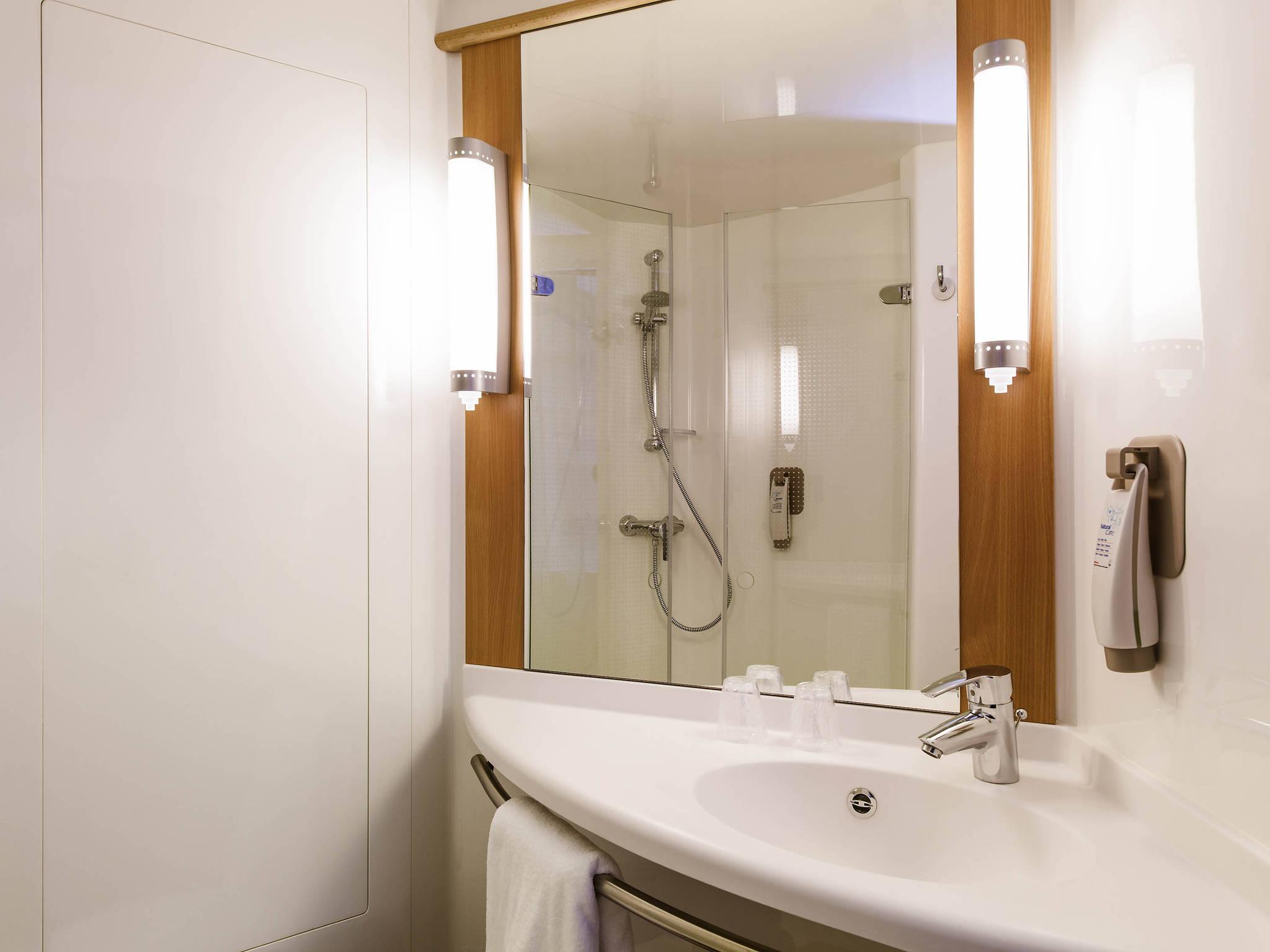 Bathroom Lighting Edinburgh ibis edinburgh centre south bridge | cheap hotels edinburgh