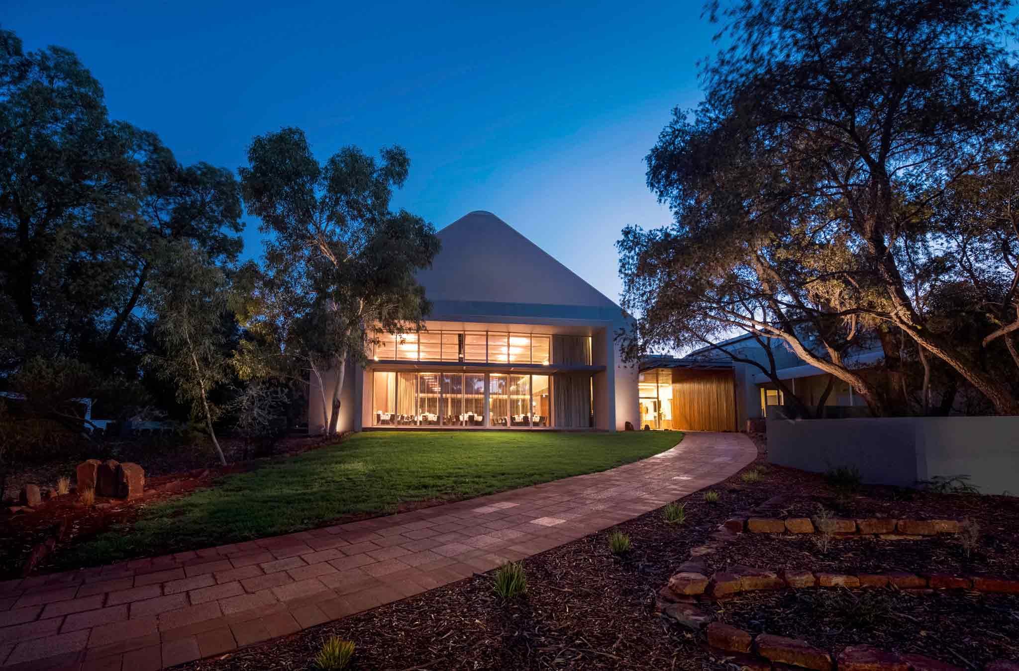 Отель — Outback Pioneer (в составе ibis Styles)