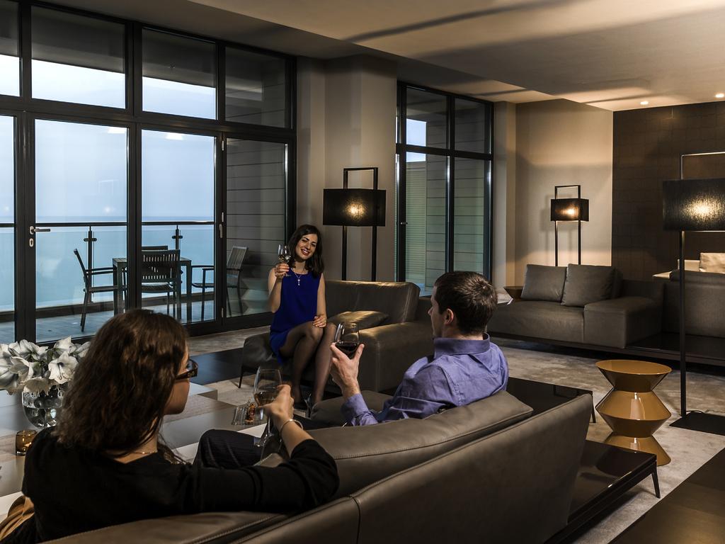Hotel Quartos Restaurante Bar Reuniões Serviços Desenvolvimento  #326A99 1024x768