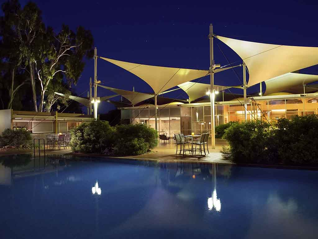Hotel yulara sails in the desert a member of pullman for Pullman hotel