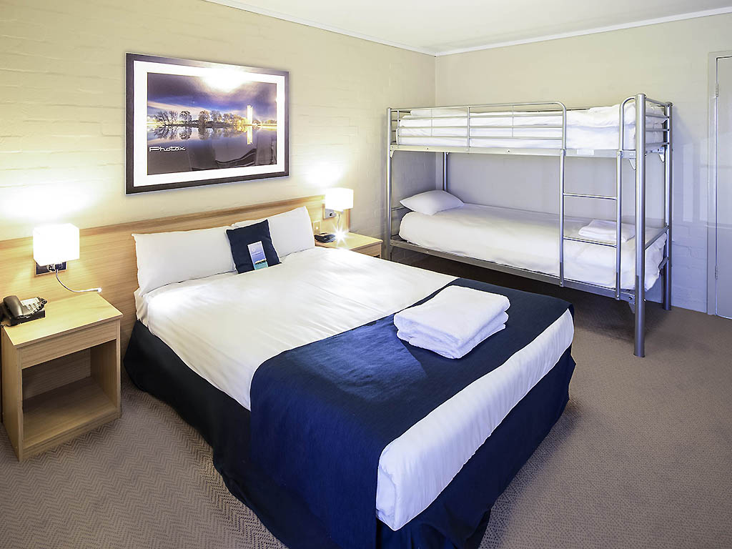 h tel narrabundah ibis styles canberra. Black Bedroom Furniture Sets. Home Design Ideas