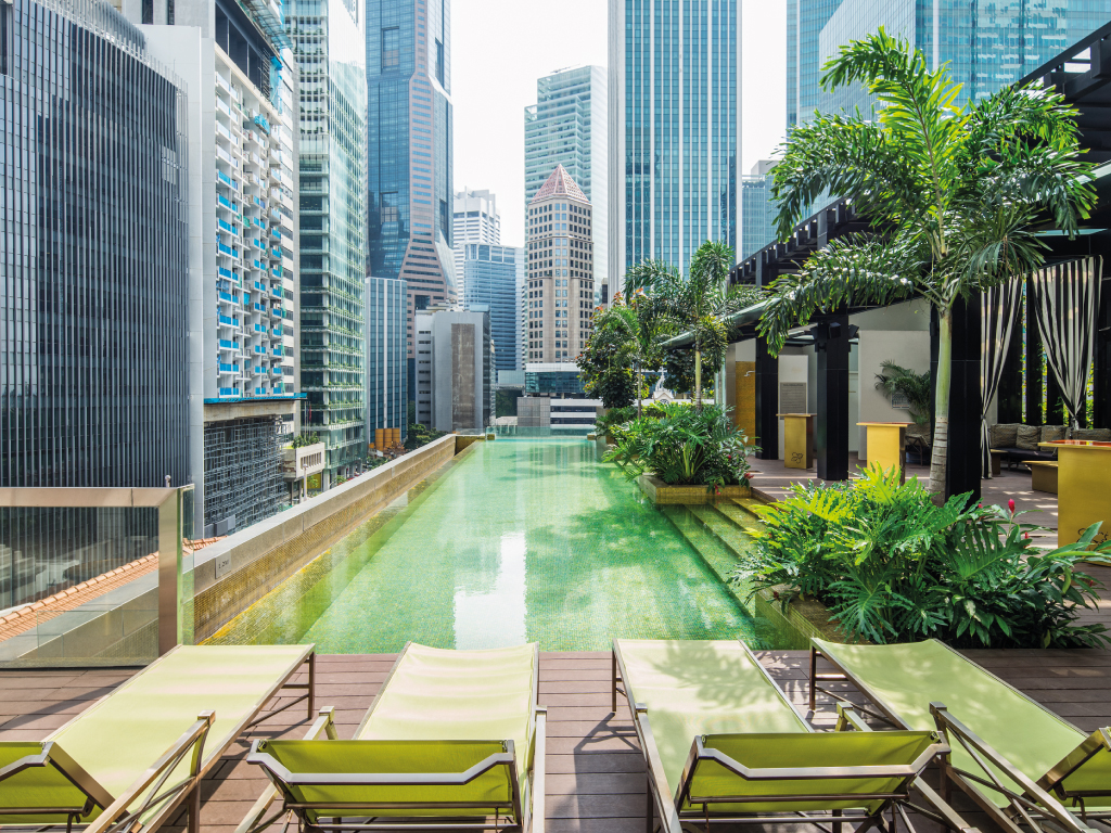 Infinity pool singapore wallpaper Entrance The Citys Swankiest Rooftop Bar Ashleysclosetstore Luxury Hotel Singapore So Sofitel Singapore