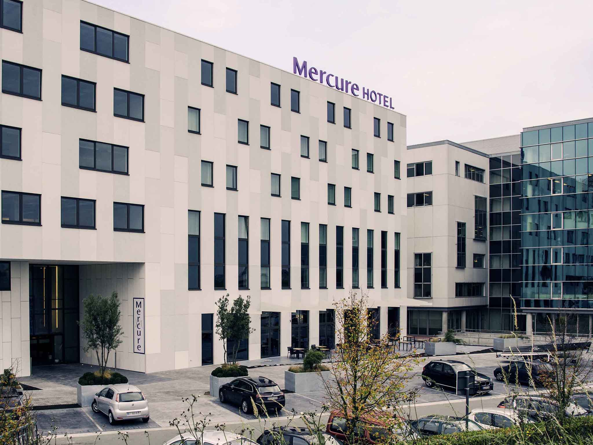 โรงแรม – Hotel Mercure Roeselare