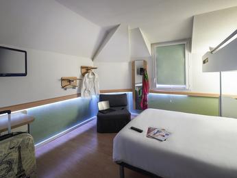hotel pas cher cholet ibis budget cholet centre. Black Bedroom Furniture Sets. Home Design Ideas