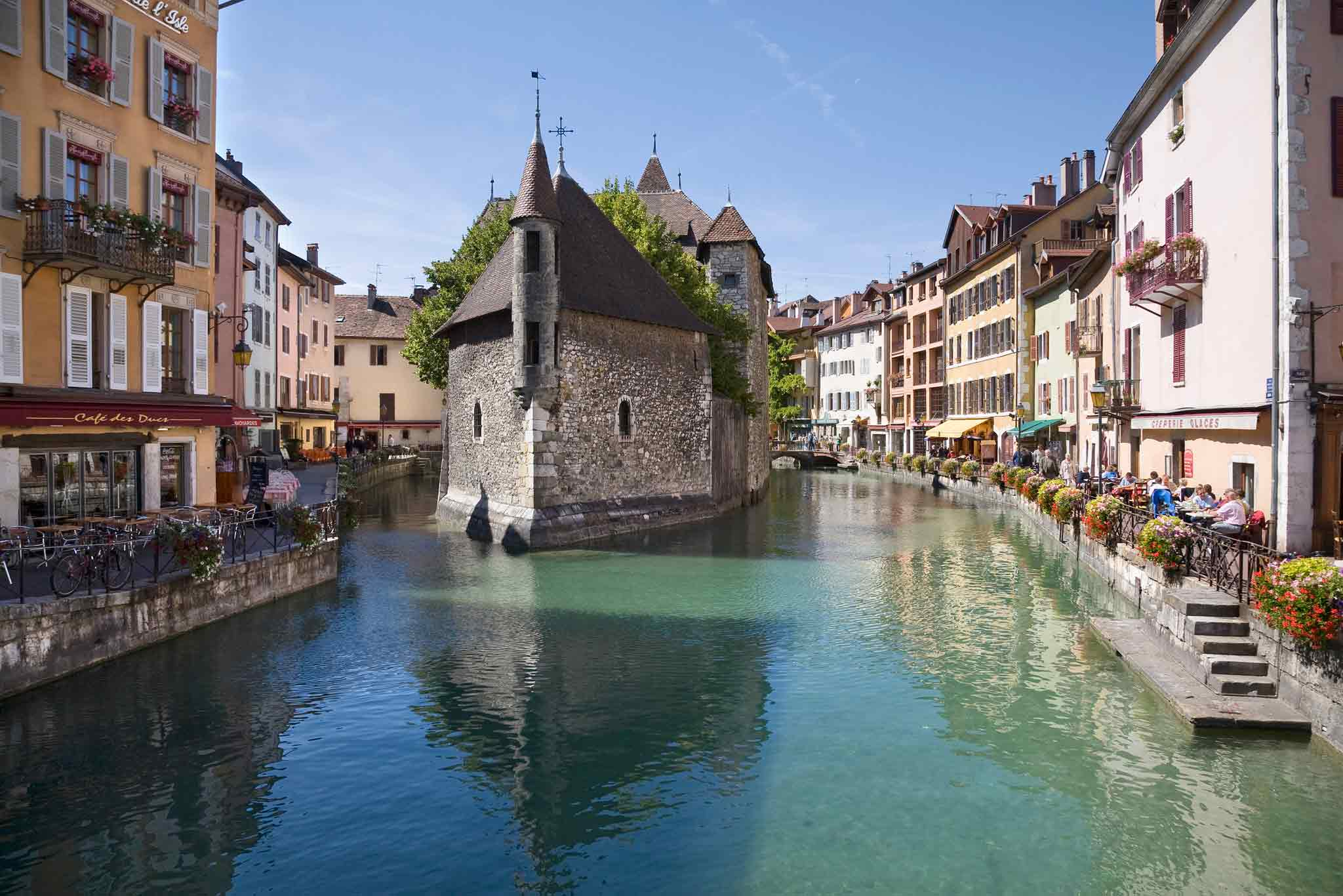 Hotel in ANNECY ibis Styles Annecy Gare Centre