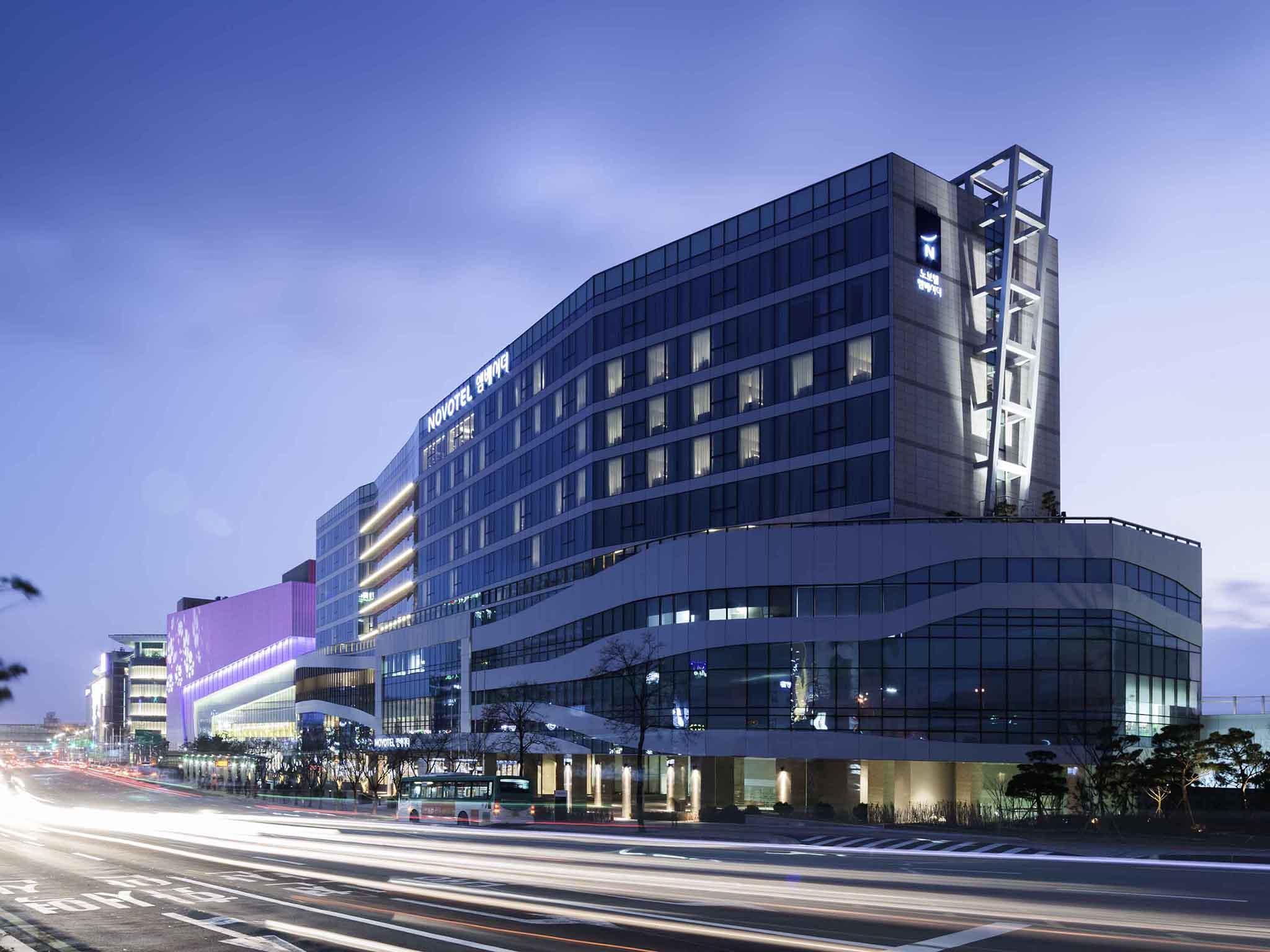 โรงแรม – Novotel Ambassador Suwon