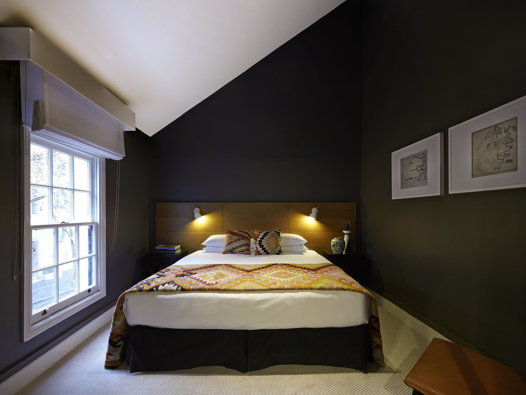 HERITAGE DELUXE ROOM 1 King Size Bed