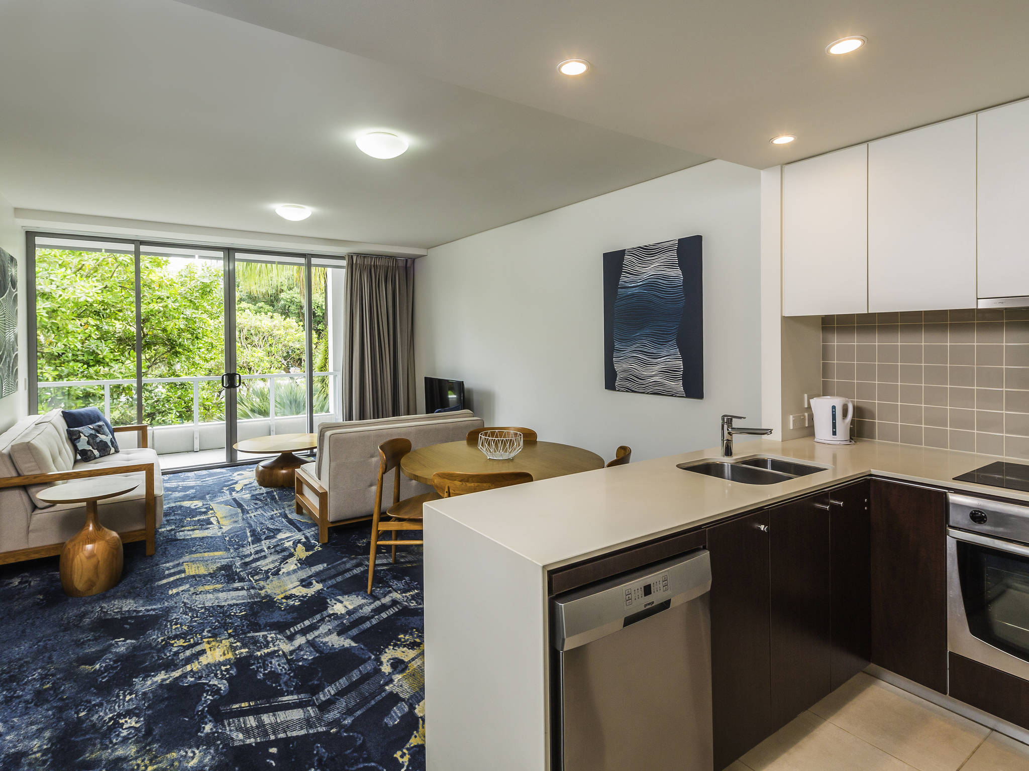 hotel harbour lights cairns accorhotels
