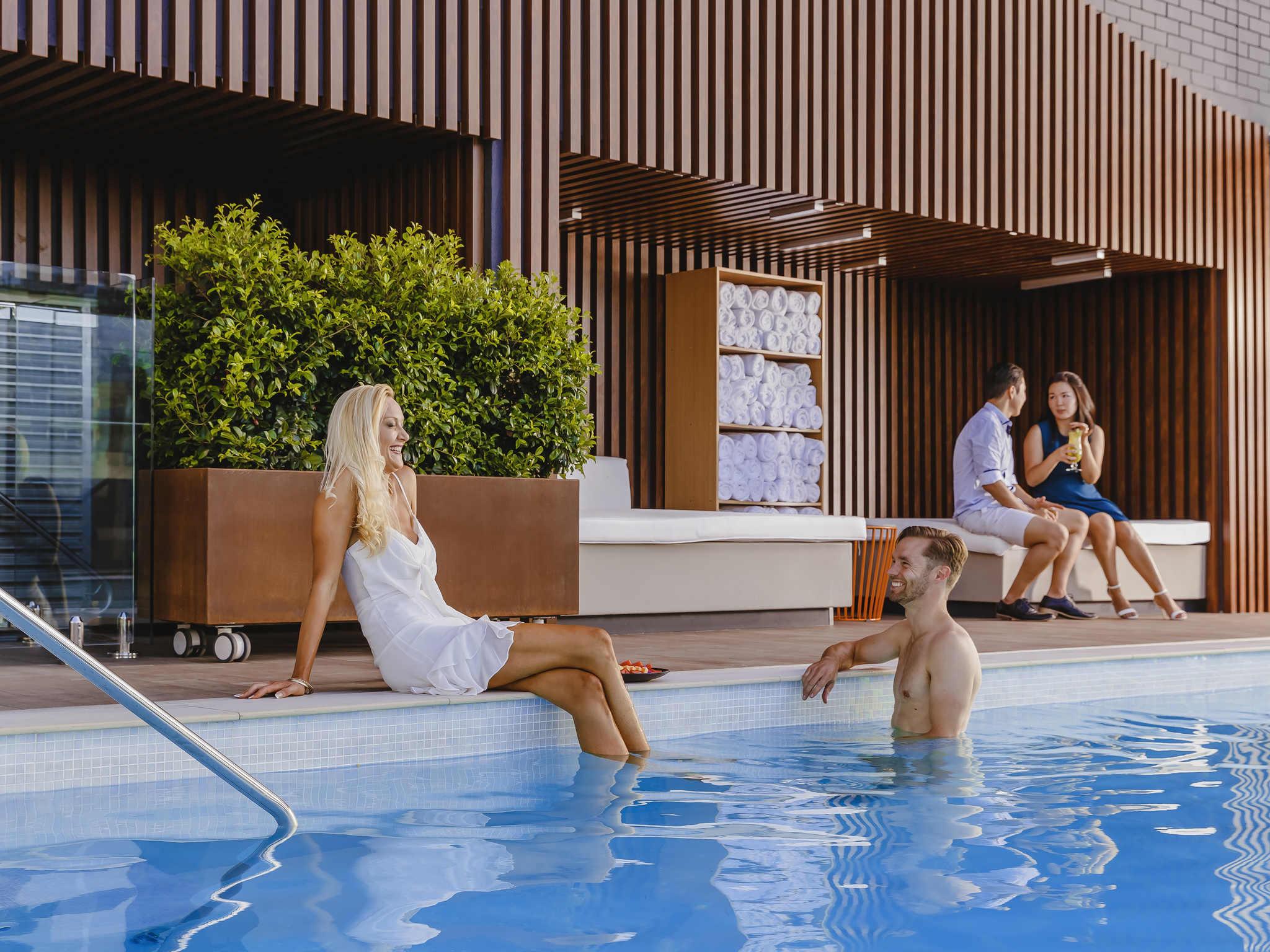 โรงแรม – Pullman Brisbane King George Square