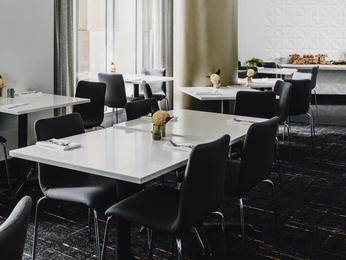 Restoran - The Como Melbourne MGallery by Sofitel
