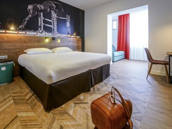 hotel pas cher saumur ibis styles saumur gare centre. Black Bedroom Furniture Sets. Home Design Ideas