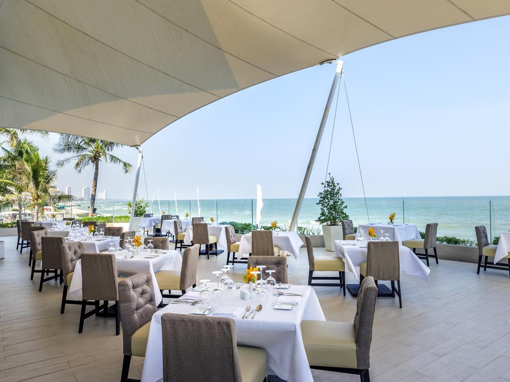 Novotel Hua Hin Cha Am Beach Resort And Spa Hot Resort