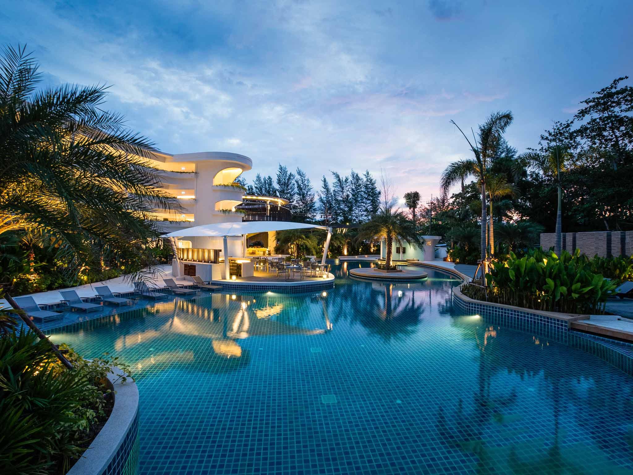 Otel – Novotel Phuket Karon Beach Resort & Spa