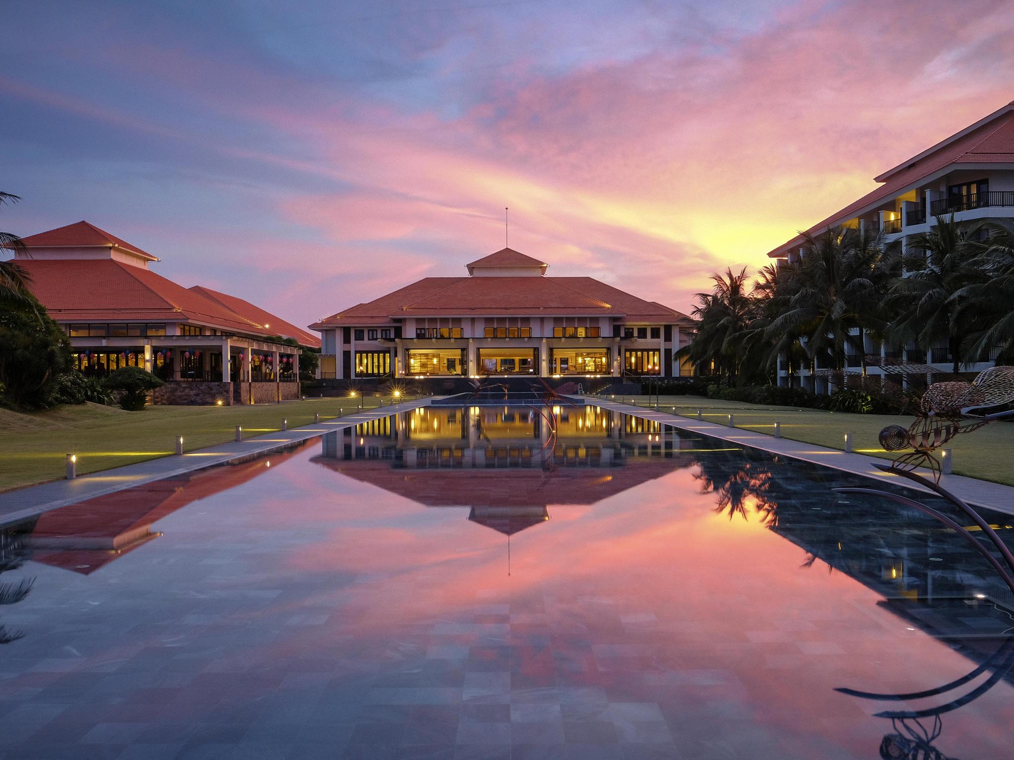 酒店 – 岘港海滩铂尔曼度假酒店