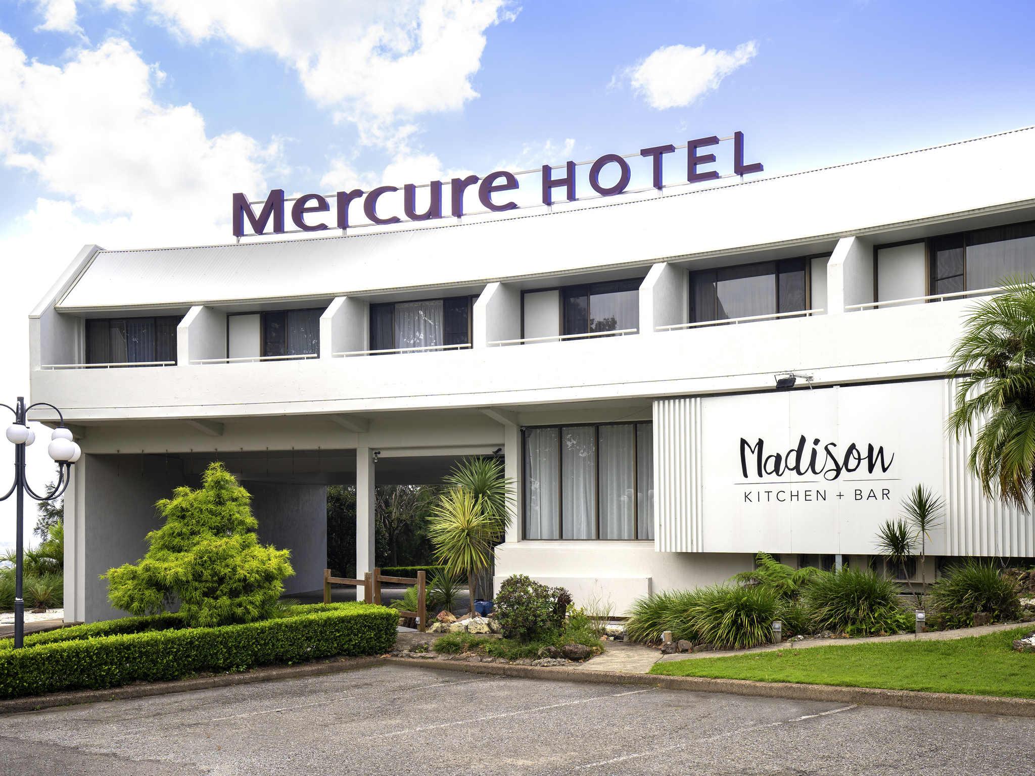 Hotell – Mercure Charlestown