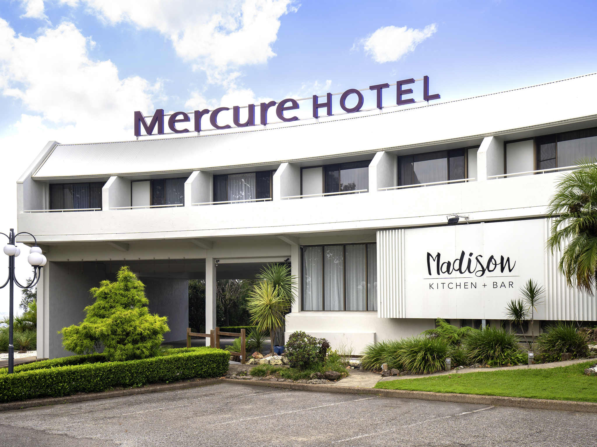 โรงแรม – Mercure Charlestown
