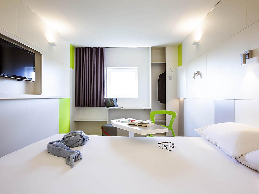 Hotel In Saint Ouen