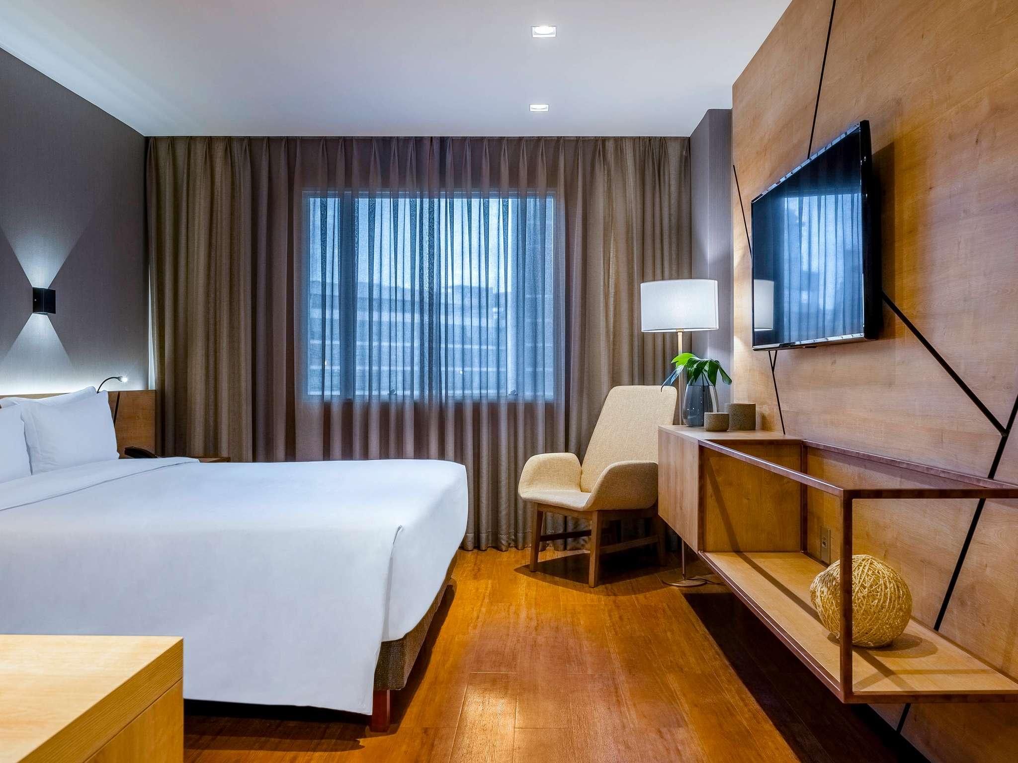 Hotel – Grand Mercure São Paulo Vila Olímpia (antigo Caesar Business)