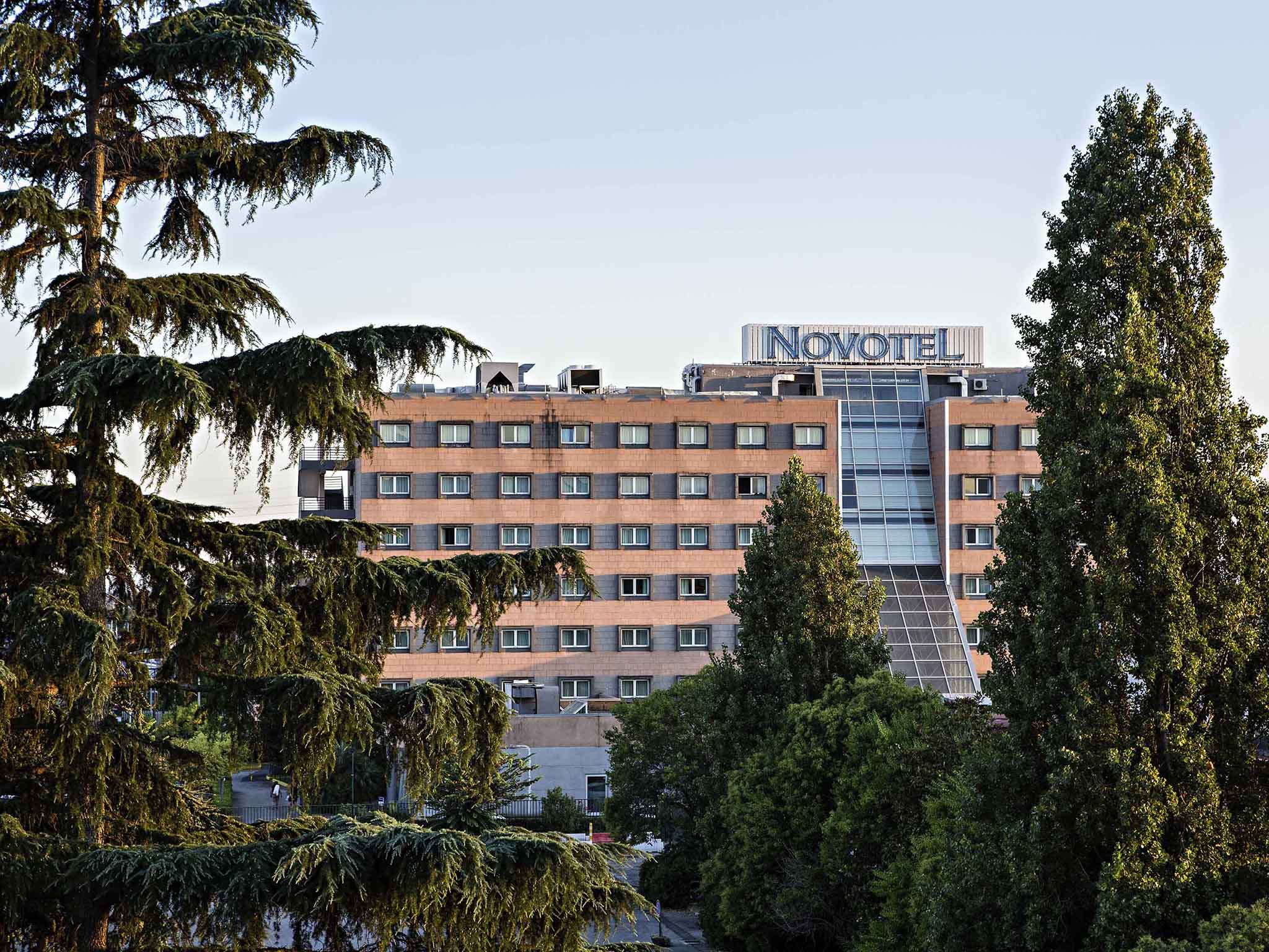 Hotell – Novotel Caserta Sud