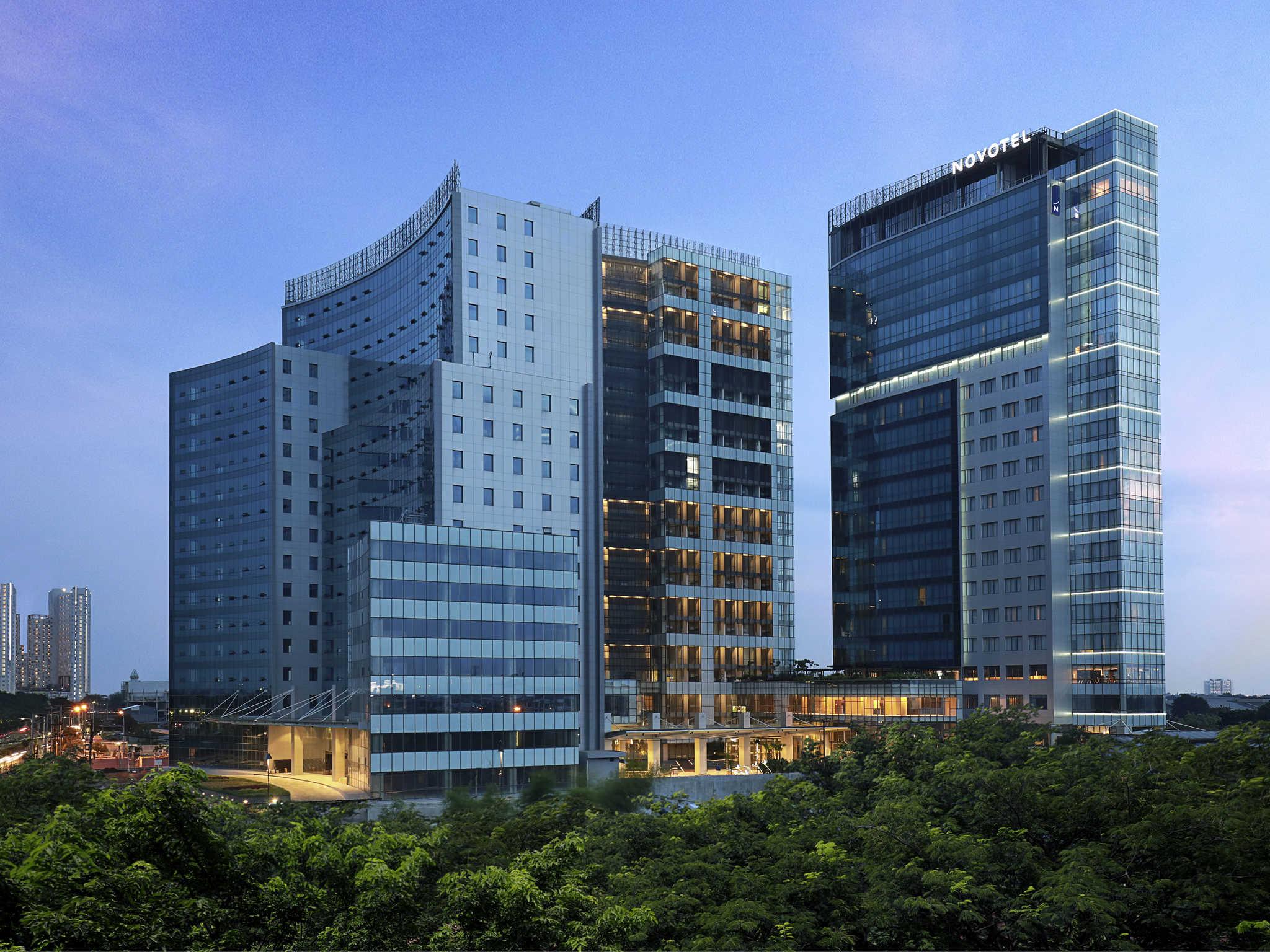 โรงแรม – Novotel Samator Surabaya Timur