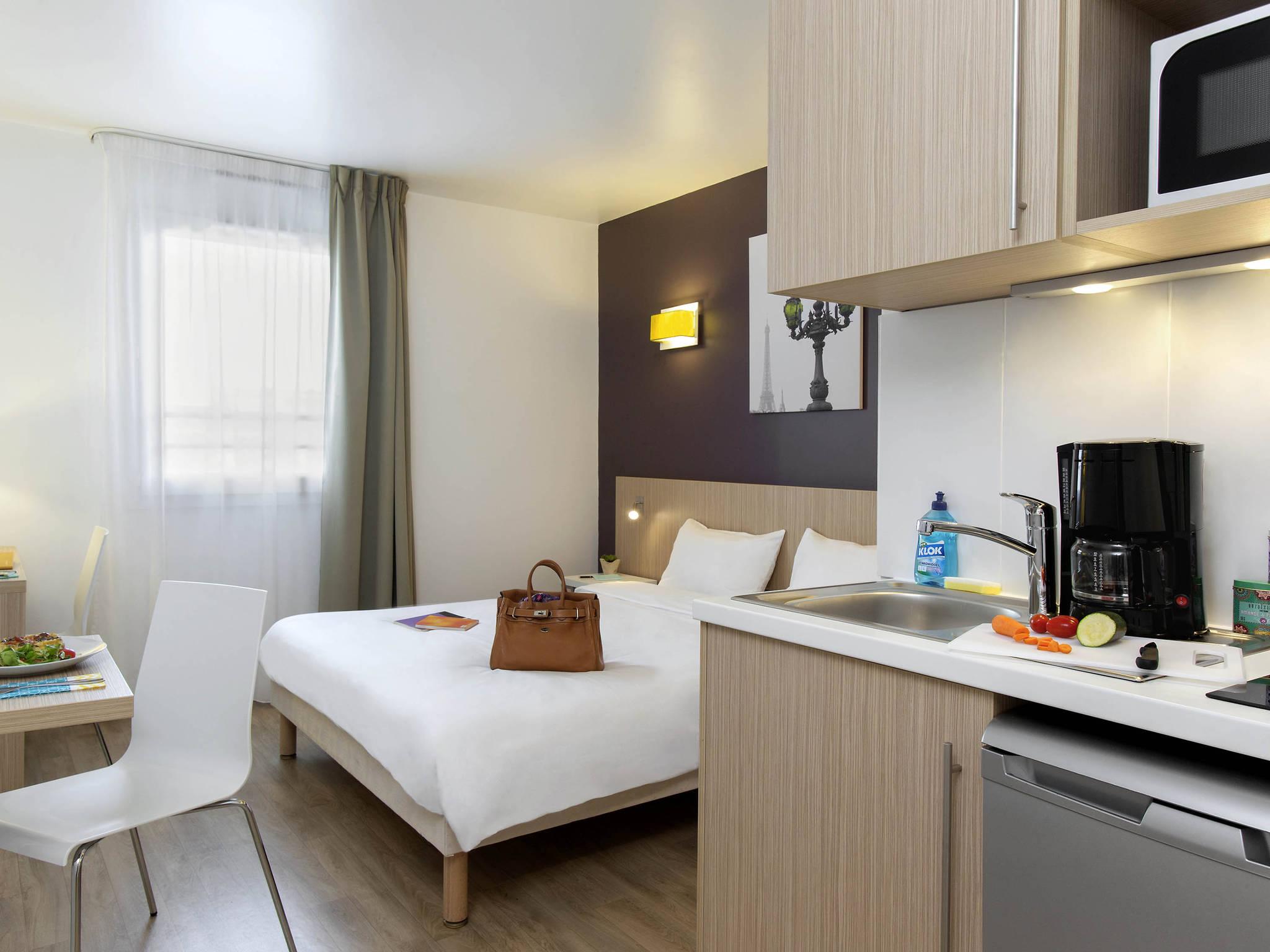 H´tel  CLICHY Aparthotel Adagio access Paris Clichy