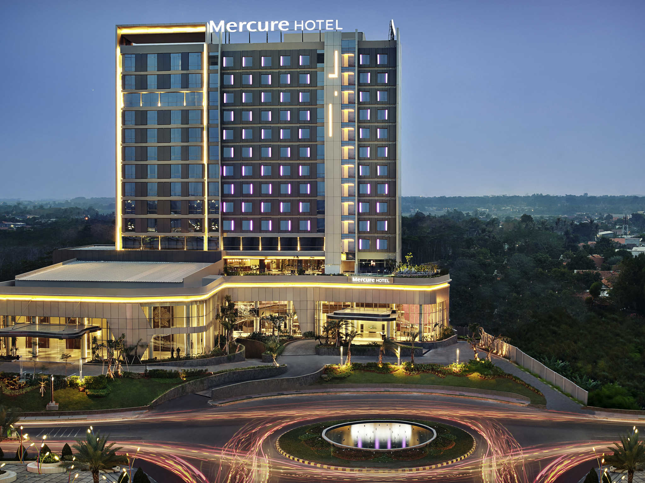 호텔 – Mercure Karawang