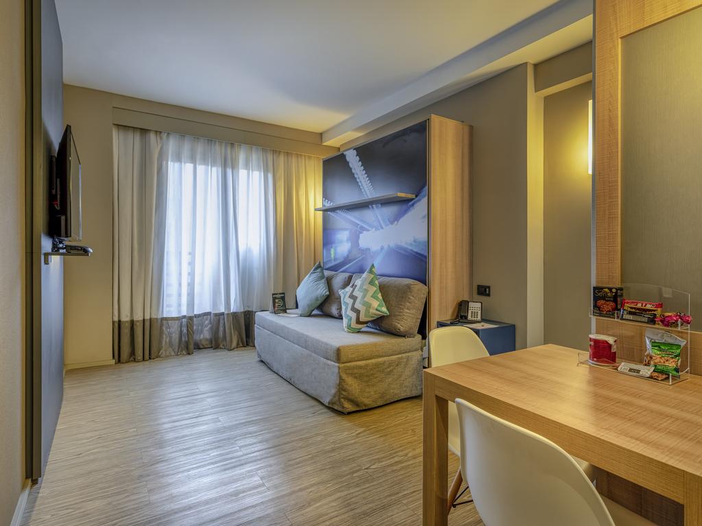 Apartamento de 02 dormitórios com duas camas de casal para até 04 pessoas