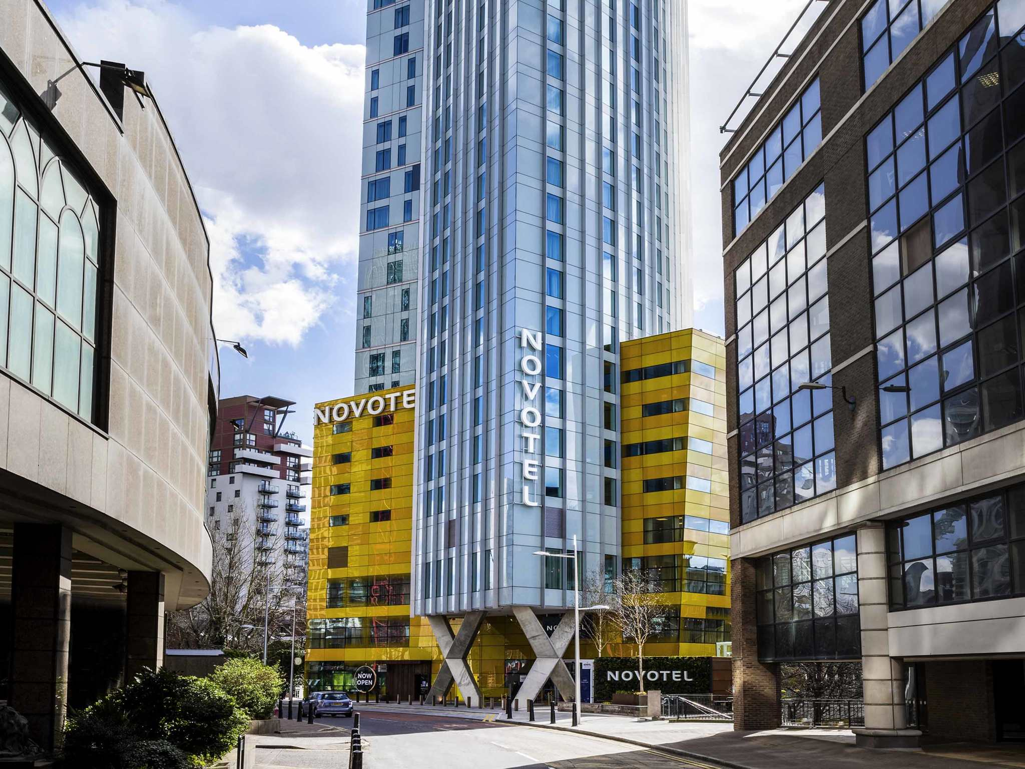 Hotel in london novotel london canary wharf for Hotel adagio londres