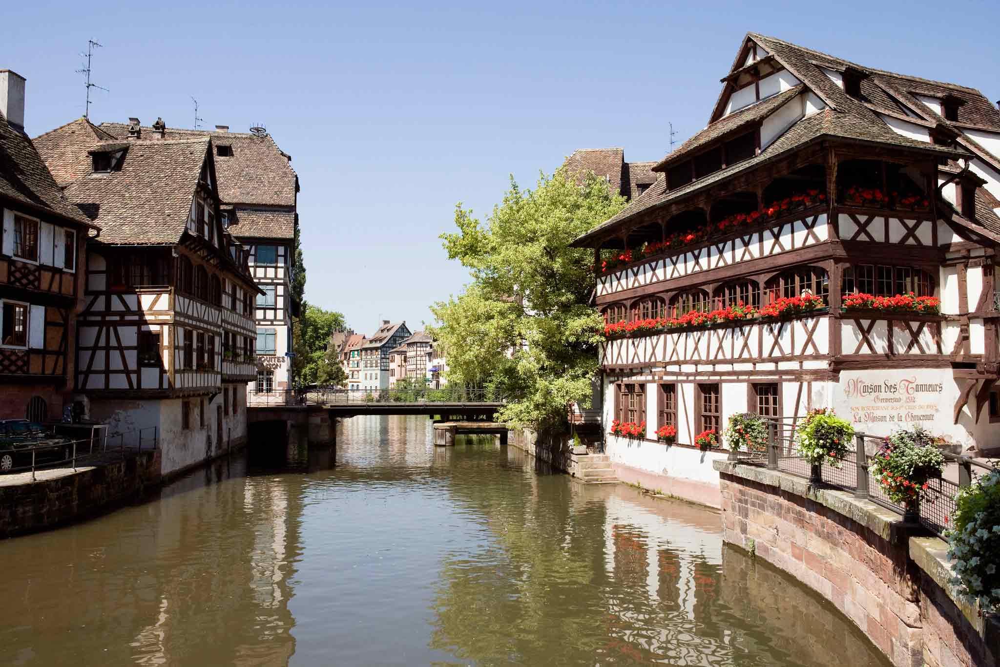 Maison neudorf strasbourg affordable rue des hallebardes for Hotel design strasbourg