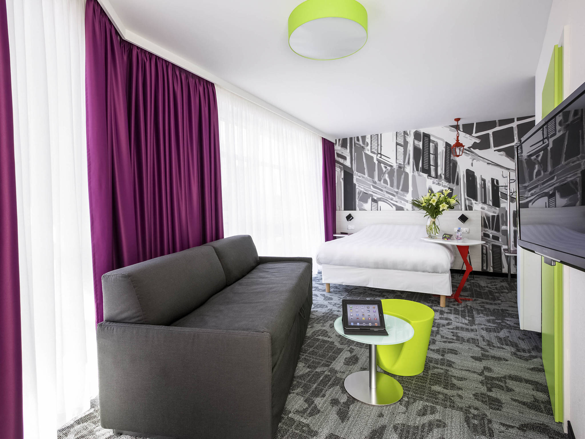 ambiance et style brest le kube restaurant les poissons en suggestion parfait with ambiance et. Black Bedroom Furniture Sets. Home Design Ideas