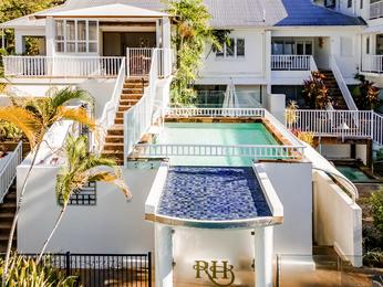 Reserve habitaci n en un hotel de lujo en palm cove the for Pabellon para cama king size