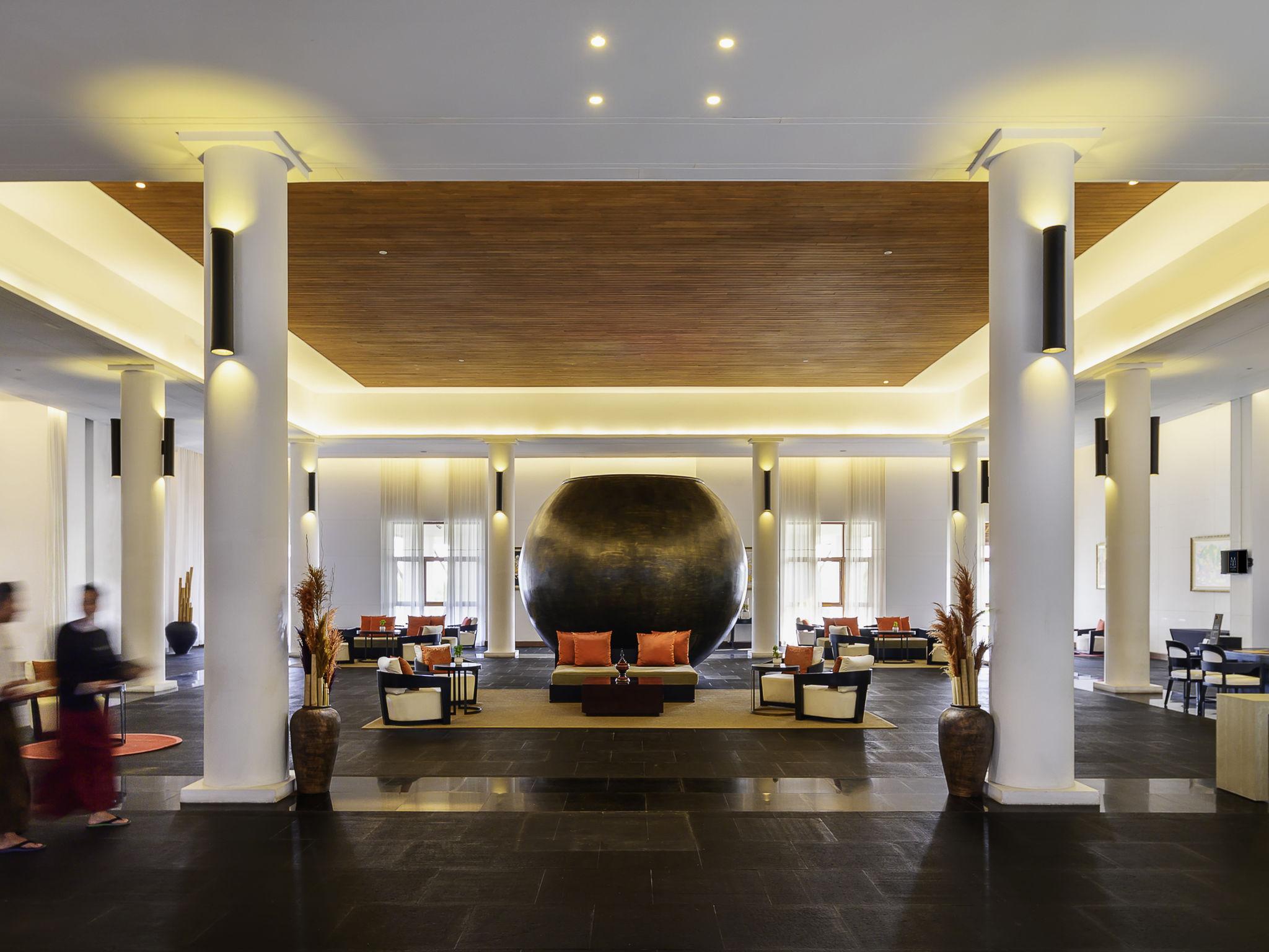 Отель — The Lake Garden Nay Pyi Taw - MGallery by Sofitel