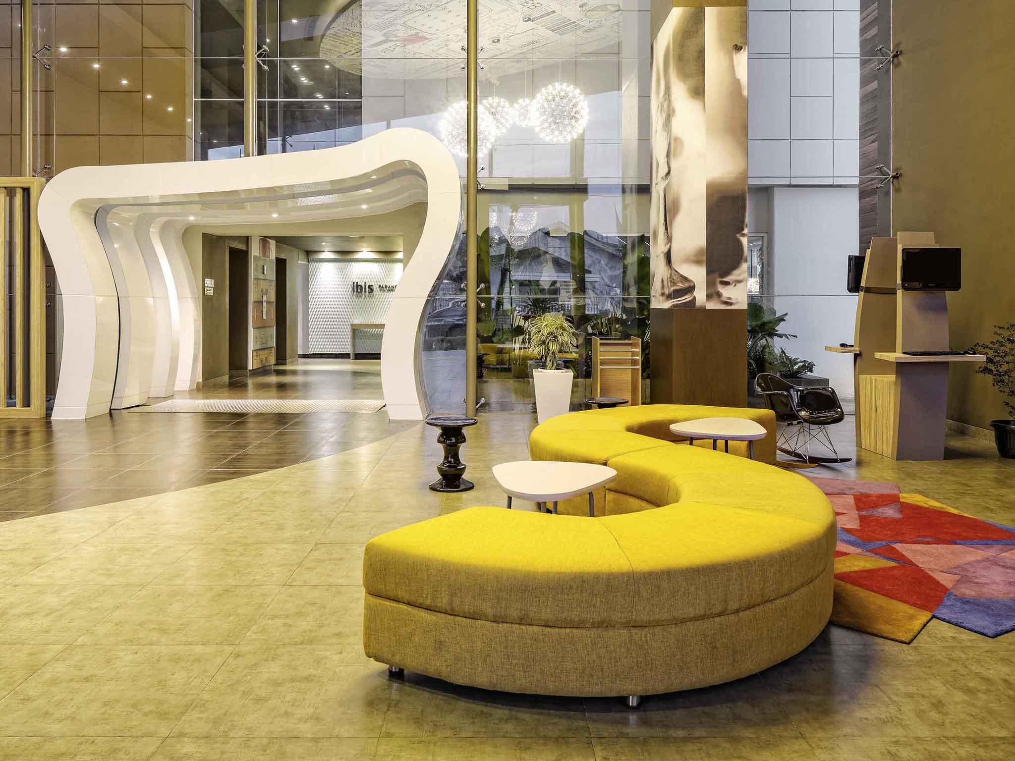 โรงแรม – ibis Padang