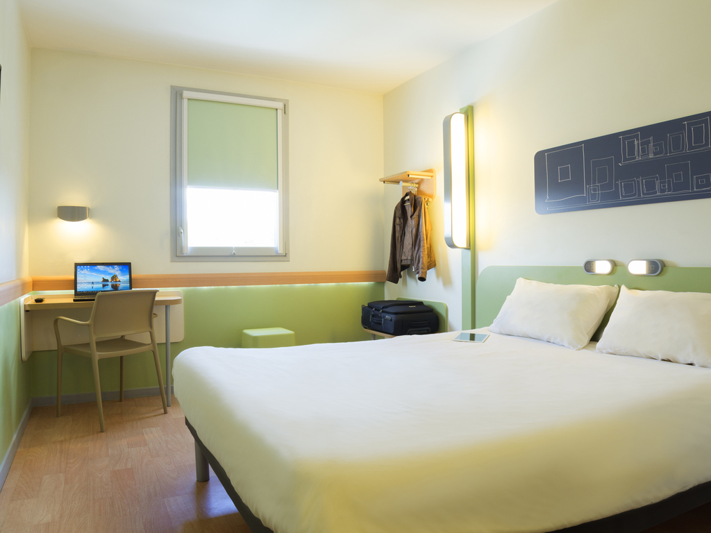 Hotel pas cher valence ibis budget valence sud for Hotel pas cher sud ouest