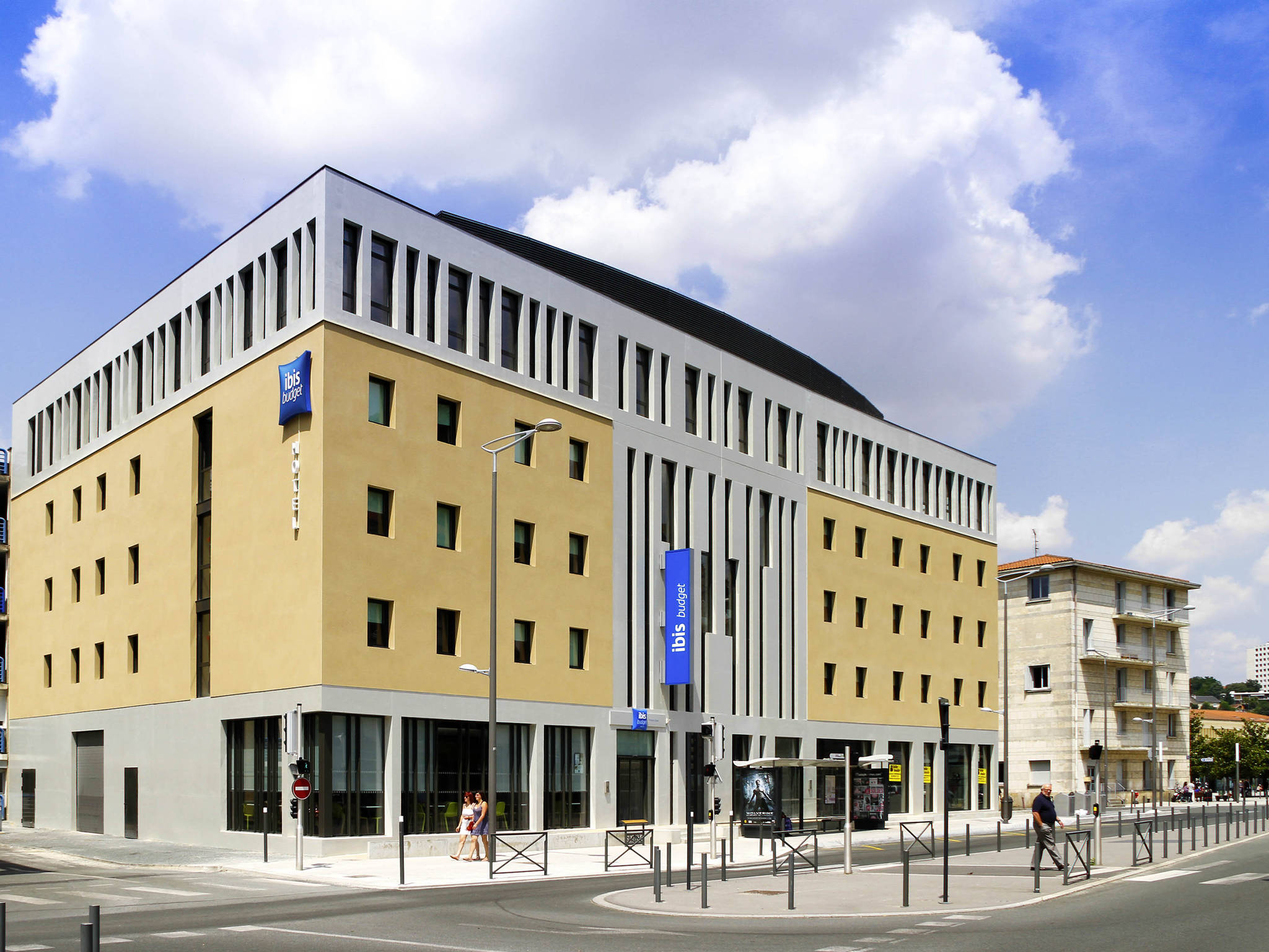 Hotel in poitiers ibis budget poitiers centre gare for Hotels ibis france