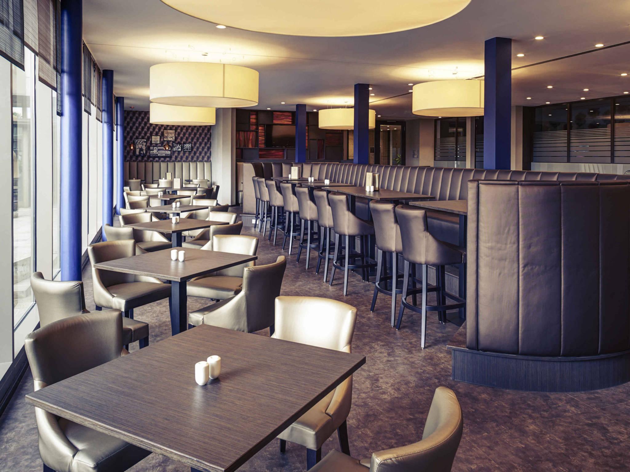 kchen dortmund awesome fitted kitchen laminate flooring. Black Bedroom Furniture Sets. Home Design Ideas