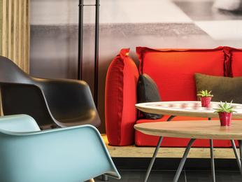 hotel pas cher montceau les mines ibis montceau les mines. Black Bedroom Furniture Sets. Home Design Ideas