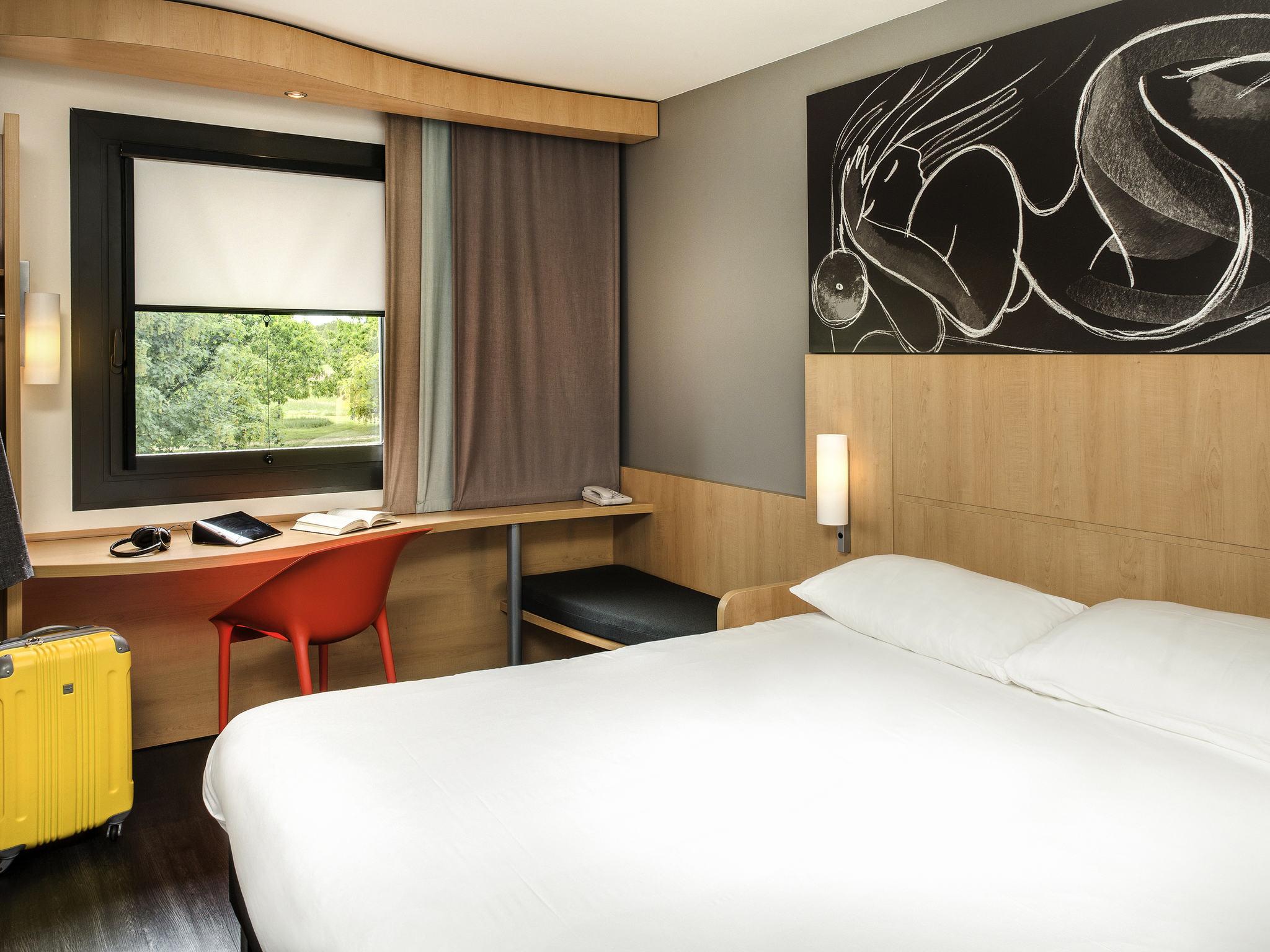 Hotel in MONTCEAU LES MINES ibis Montceau Les Mines
