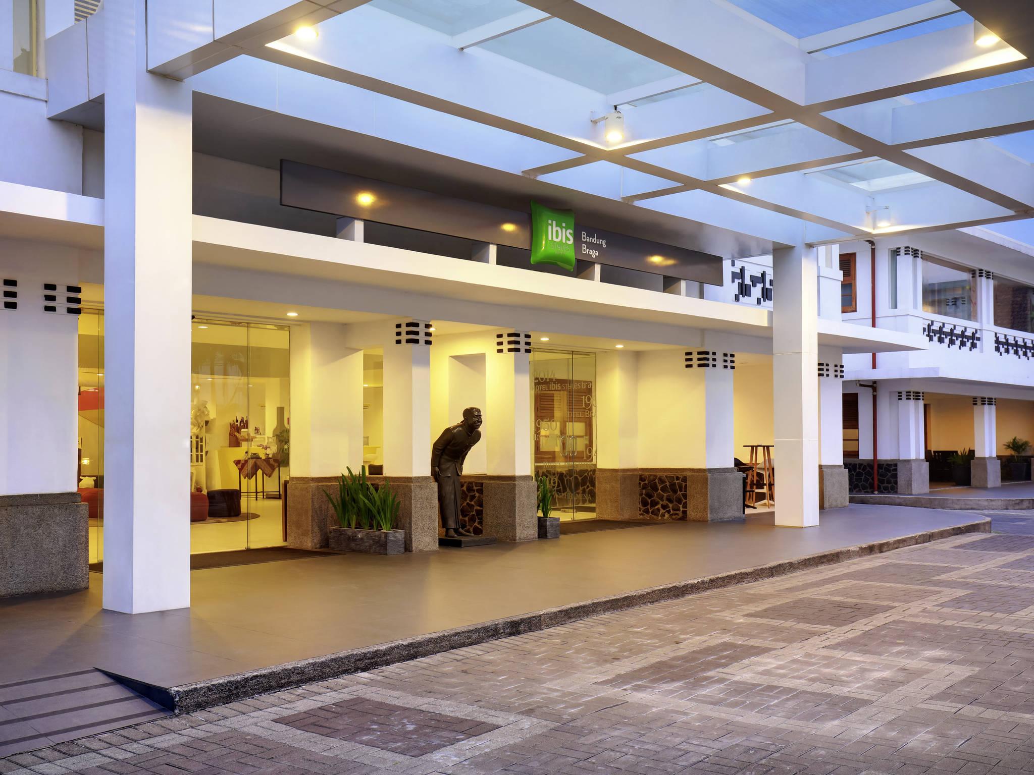 91 website hotel murah di bandung tarif kamar hotel for Dekor kamar hotel di bandung