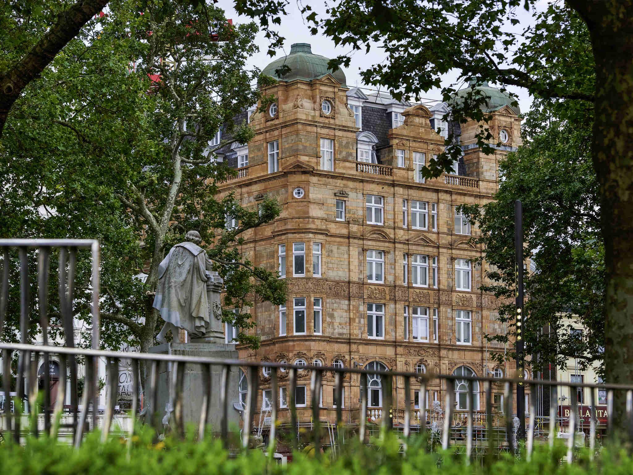 Отель — Отель Виктори Хаус Лондон Лестер-Сквер - MGallery by Sofitel