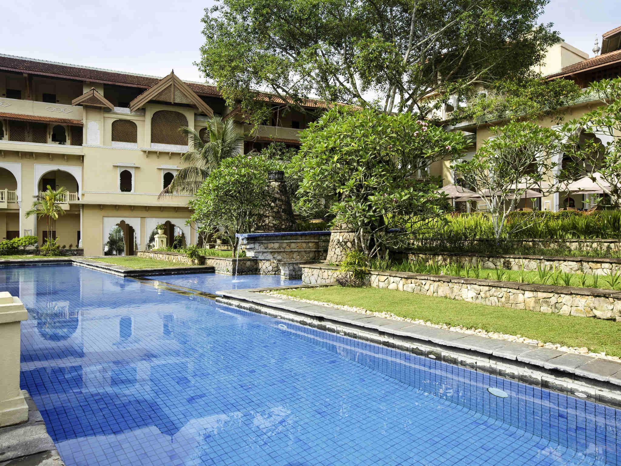 Hotel In Bukittinggi Novotel Bukittinggi Accorhotels