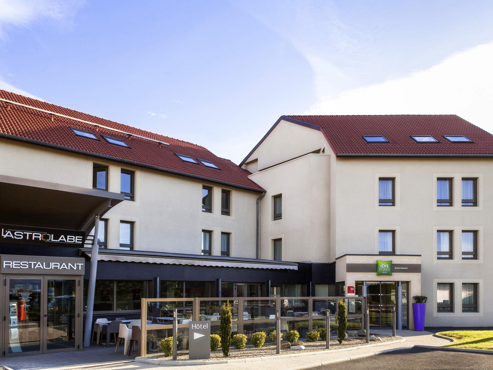 Hotel – ibis Styles Clermont Ferrand Le Brezet Aeroport