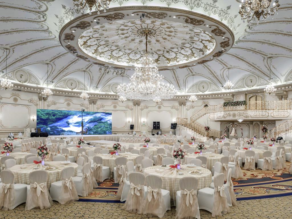 Luxury hotel jeddah sofitel jeddah corniche prev junglespirit Image collections