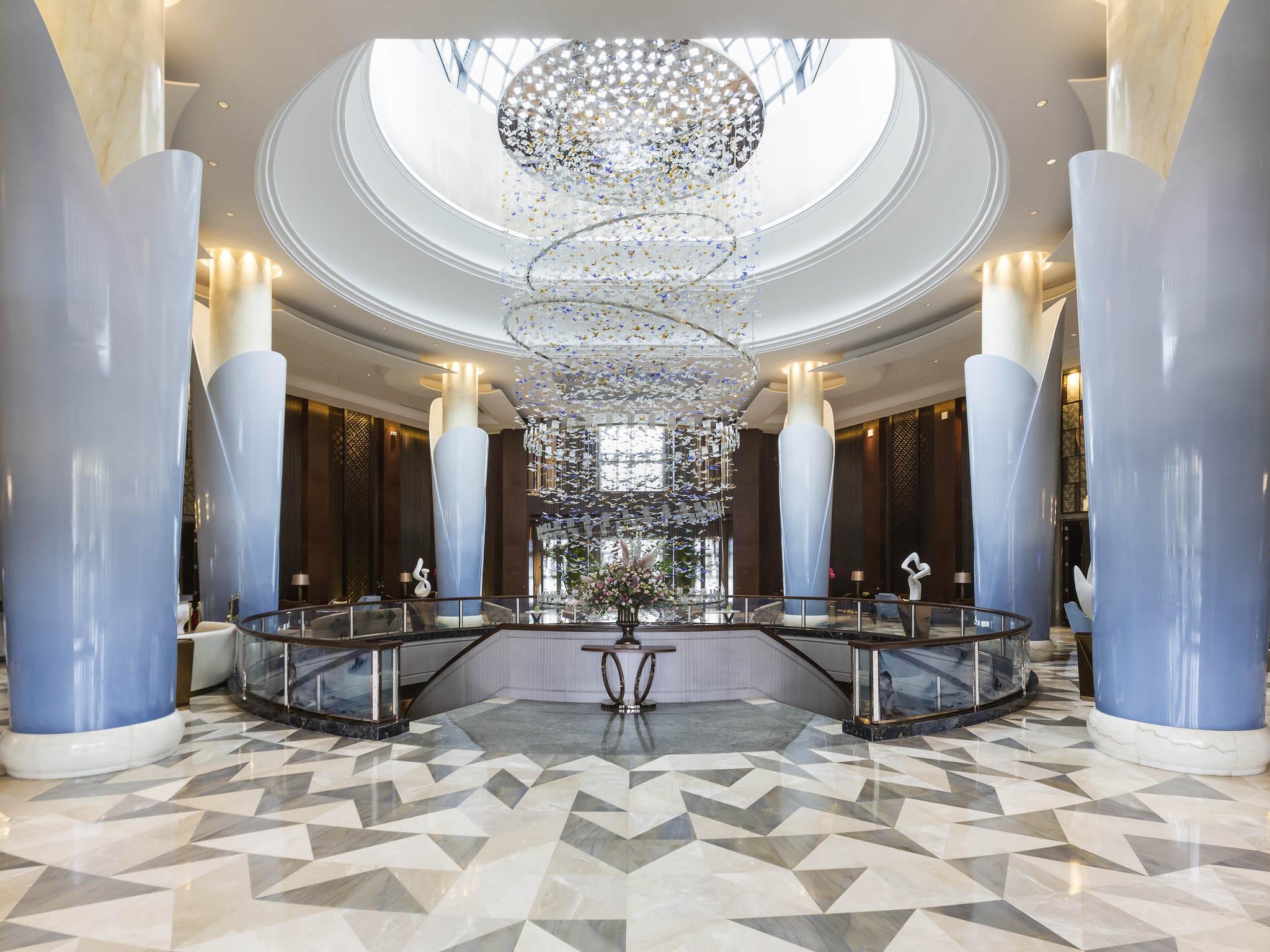 호텔 – Grand Mercure Zhengzhou West