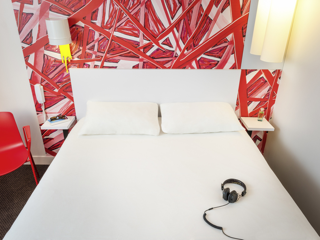 Hotel in courbevoie   ibis styles paris la defense courbevoie