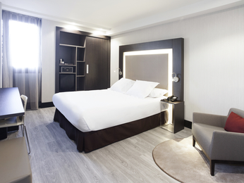 Hotel In Madrid With Pool Novotel Madrid Puente De La Paz
