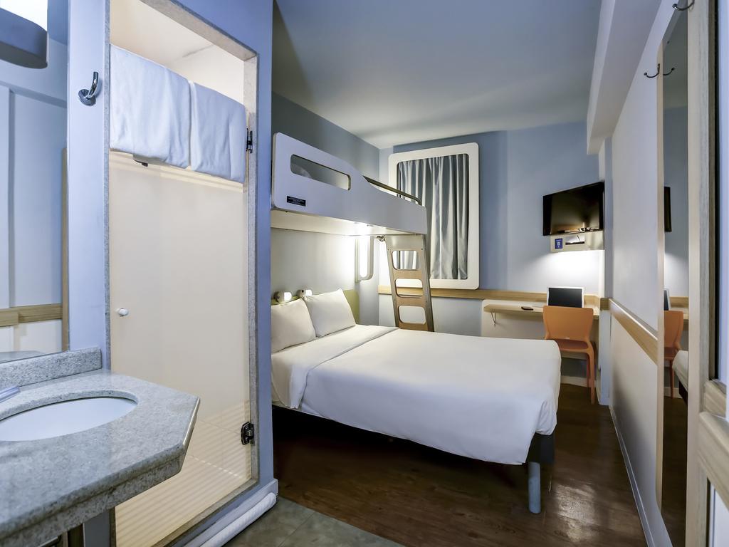 Imagens de #33416B Apartamento com 01 cama de casal e 01 cama de solteiro suspensa 1024x768 px 3666 Banheiros Separados Casal